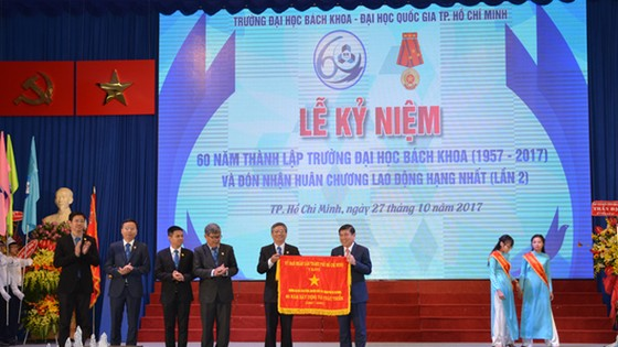 Trường Đại học Bách Khoa TPHCM nhận Huân chương Lao động hạng nhất lần thứ 2 ảnh 2