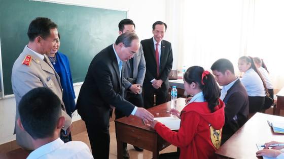 TPHCM hỗ trợ Thủ đô Viêng Chăn về giáo dục ảnh 2