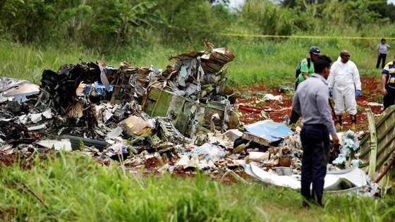 Máy bay rơi khi cất cánh ở Cuba, hơn 100 người chết ảnh 1