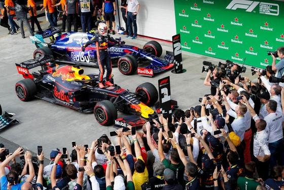 Hé lộ quy trình cấp thẻ tác nghiệp khắt khe của FIA tại giải Công thức 1 ảnh 2