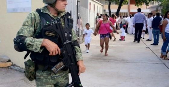 Mexico triển khai quân đội trên đường phố ảnh 1