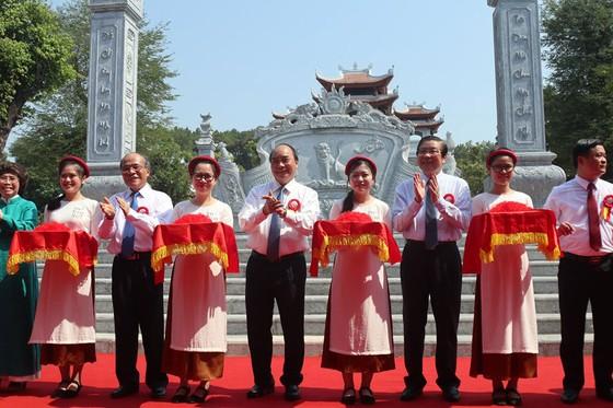 Khánh thành Đền thờ gia tiên Chủ tịch Hồ Chí Minh ảnh 1