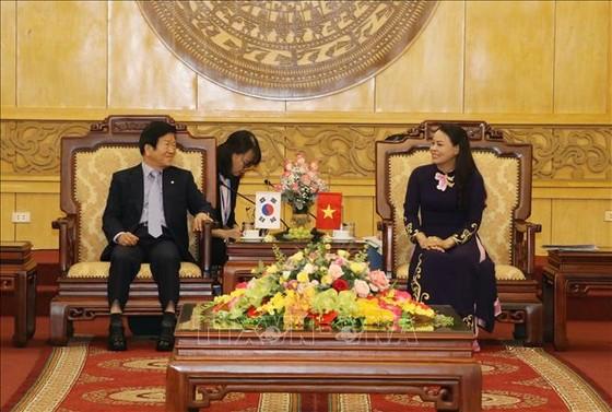 Chủ tịch Quốc hội Hàn Quốc Park Byeong-Seug thăm và làm việc tại Ninh Bình ảnh 1