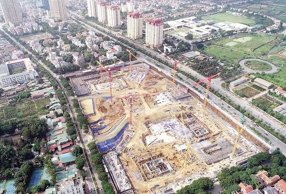 Hòa Bình đổ mẻ bê tông khối lớn dự án Lotte Mall ảnh 2