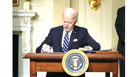 Chính phủ ông Joe Biden đảo ngược  nhiều chính sách đối ngoại ảnh 1