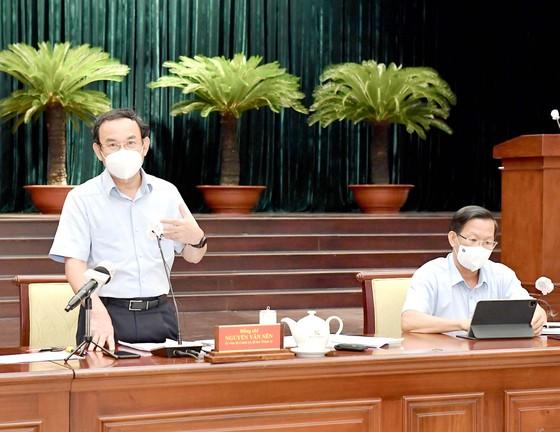 Bí thư Thành ủy TPHCM Nguyễn Văn Nên: Đưa thông tin đến người dân kịp thời, tránh bị nhiễu loạn ảnh 1
