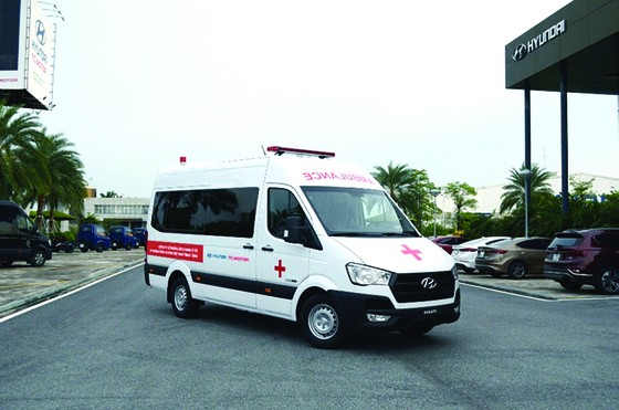 Liên doanh Ô tô Hyundai Thành Công trao tặng 10 xe Solati cứu thương ảnh 5