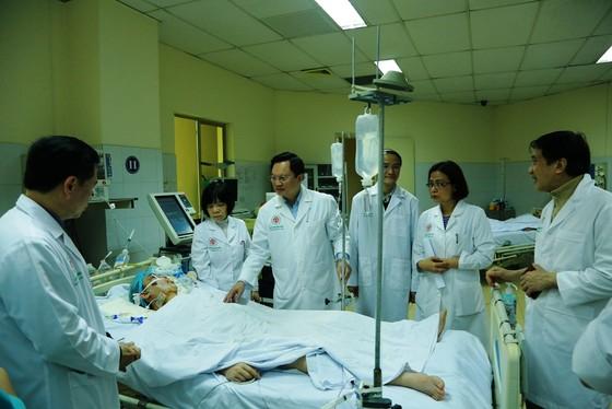Lần đầu tiên Việt Nam ghép phổi thành công từ người cho chết não ảnh 1