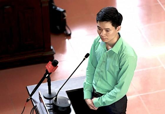 Bác sĩ Hoàng Công Lương: Bị cáo không có tội làm sao mà nhận được ảnh 1