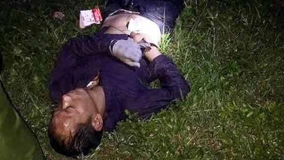 Bắt 2 người Trung Quốc manh động cướp tiền, cướp xe, đâm xe vào Công an ảnh 4