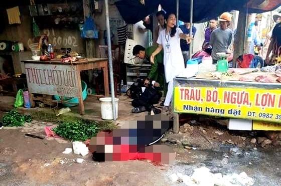 Kinh hoàng một phụ nữ bị bắn chết giữa chợ Bến Tắm ảnh 1