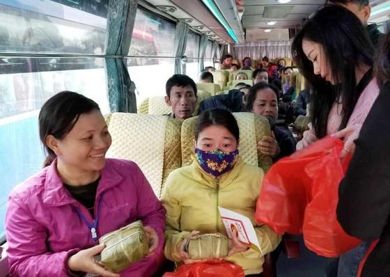 Những chuyến xe đầy ắp nụ cười bệnh nhân ung thư ngày giáp tết ảnh 3