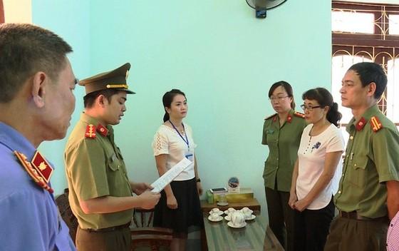 Khởi tố thêm một cựu cán bộ an ninh ở Sơn La tiếp tay gian lận thi cử ảnh 1