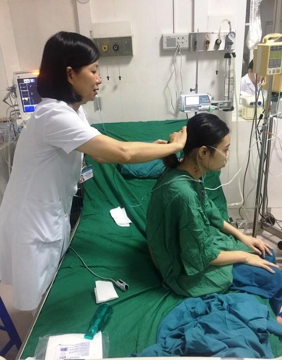Cứu sống thiếu nữ người Thái hy vọng sống chỉ còn 1/1.000 ảnh 1