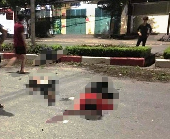 Chạy xe máy 'kẹp 5', 4 sinh viên thiệt mạng ảnh 1