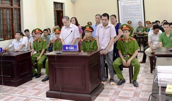 """Tòa xử vụ án gian lận điểm thi ở Hà Giang- Nhiều nhân chứng """"VIP"""" vắng mặt ảnh 1"""
