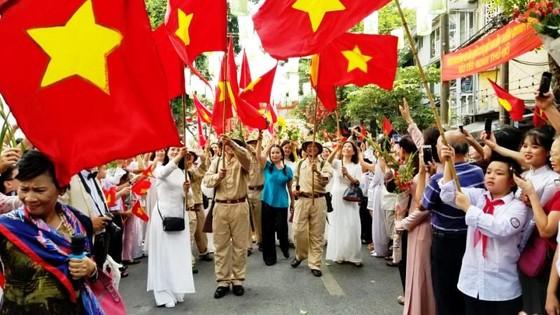 Hà Nội năm cửa ô đón mừng đoàn quân giải phóng  ảnh 5