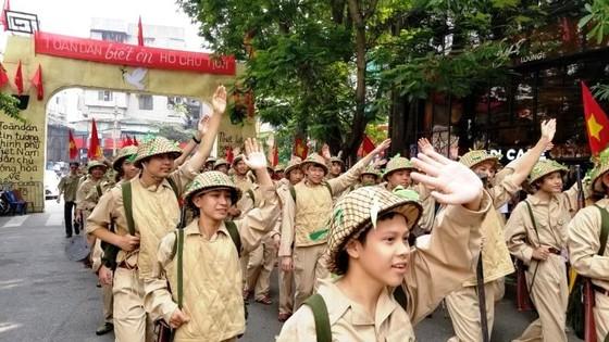 Hà Nội năm cửa ô đón mừng đoàn quân giải phóng  ảnh 3