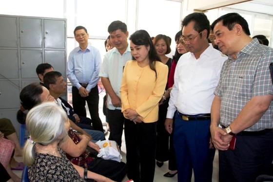 Bộ trưởng Nguyễn Thị Kim Tiến thị sát một số cơ sở y tế tại Thái Nguyên ảnh 1