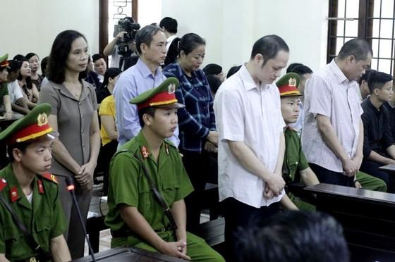 Kết thúc xét xử vụ gian lận điểm thi ở Hà Giang - Mức án cao nhất 8 năm tù ảnh 1