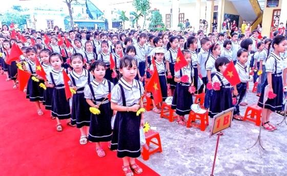 Học phí tiểu học trường công chất lượng cao tại Hà Nội tăng tới 5,5 triệu/tháng  ảnh 1
