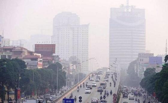 Không khí ô nhiễm trầm trọng - Người dân hạn chế ra khỏi nhà ảnh 2