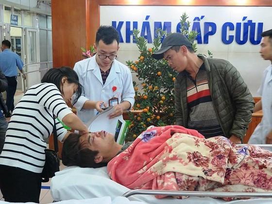 3 ngày nghỉ Tết, bệnh viện chật cứng bệnh nhân cấp cứu nạn giao thông và ẩu đả ảnh 1