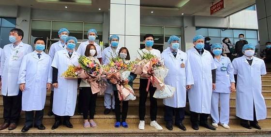 3 công nhân ở Vĩnh Phúc nhiễm nCoV khỏi bệnh, xuất viện ảnh 1
