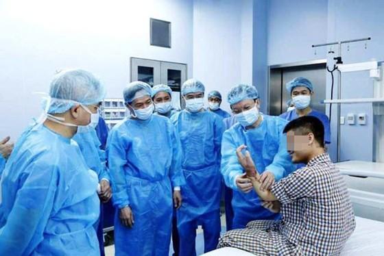 Việt Nam thực hiện ghép tay từ người hiến còn sống ảnh 1