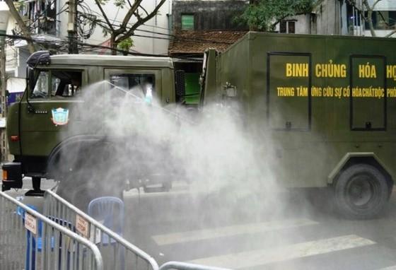 Lập Tổ công tác xử lý tình hình dịch Covid-19 tại BV Bạch Mai, xét nghiệm sàng lọc 5.000 người ảnh 2