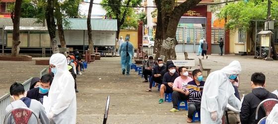 Hà Nội sẽ mở rộng xét nghiệm nhanh Covid-19 cho người dân toàn thành phố ảnh 2