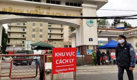 Từ 00 giờ ngày 12-4, Bệnh viện Bạch Mai được dỡ cách ly ảnh 1