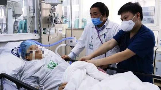 Bệnh viện Bạch Mai hết cách ly, người bệnh nặng thêm nhiều cơ hội được cứu sống ảnh 3