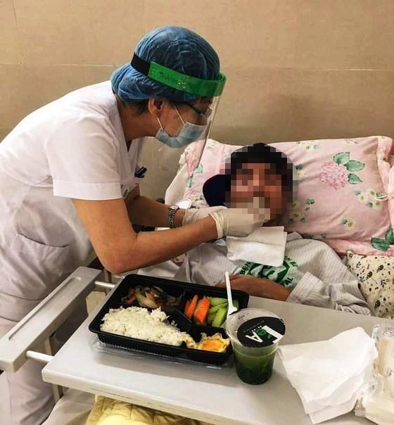 Bệnh viện Bạch Mai hết cách ly, người bệnh nặng thêm nhiều cơ hội được cứu sống ảnh 4