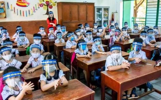 Trong lớp mở điều hòa, không bắt học sinh đeo khẩu trang để bớt áp lực  ảnh 2