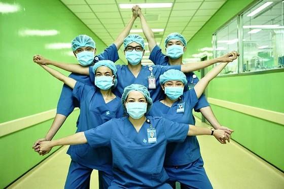 Việt Nam tròn 60 ngày không lây nhiễm Covid-19 trong cộng đồng, còn 7 ca dương tính SARS-CoV-2 ảnh 1