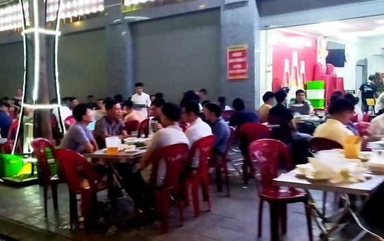 Dịch Covid-19 ở Hà Nội lây nhiễm thứ phát, người dân vẫn thờ ơ ảnh 1