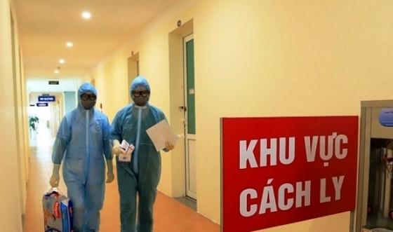 Cụ ông 73 tuổi xét nghiệm tới lần thứ 4 mới phát hiện dương tính SARS-CoV-2 ảnh 1