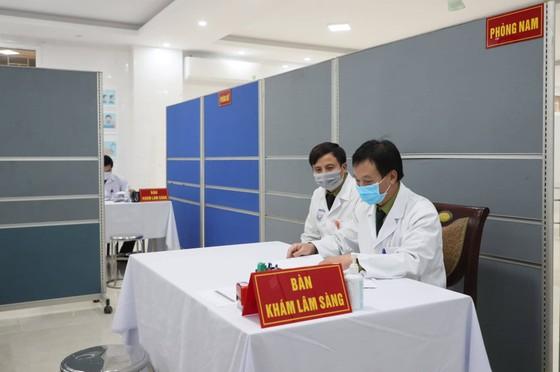 Sáng nay, Việt Nam chính thức tiêm thử nghiệm vaccine Nano Covax: 'Bắt đầu trận đánh lớn' ảnh 8