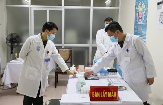 Sáng nay, Việt Nam chính thức tiêm thử nghiệm vaccine Nano Covax: 'Bắt đầu trận đánh lớn' ảnh 9