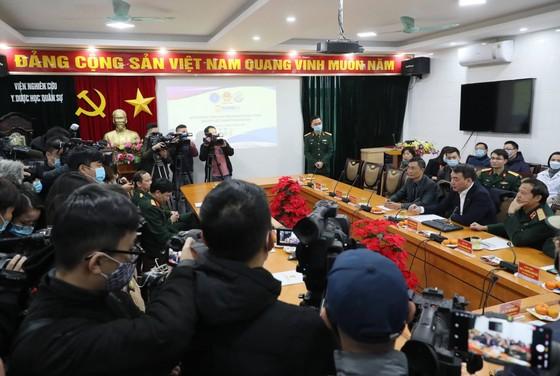 Sáng nay, Việt Nam chính thức tiêm thử nghiệm vaccine Nano Covax: 'Bắt đầu trận đánh lớn' ảnh 11