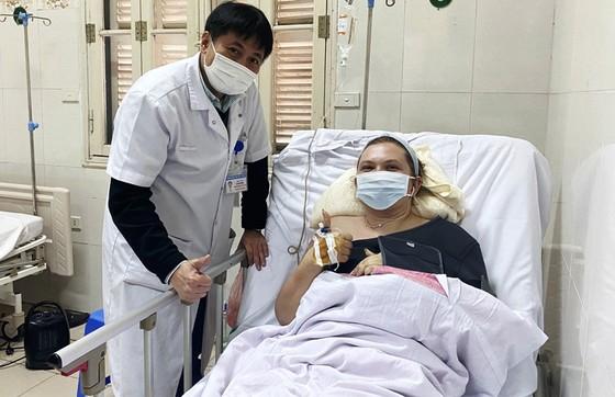 Cứu sống một phụ nữ Ukraina gãy 10 xương sườn, thủng phổi  ảnh 1