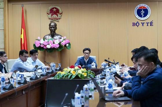 Phát hiện 2 ca nhiễm Covid-19 trong cộng đồng, Phó Thủ tướng họp khẩn trong đêm với tỉnh Hải Dương và Quảng Ninh ảnh 1