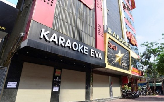 Quán karaoke, vũ trường, quán bar ở Hà Nội phải đóng cửa từ ngày 1-2 ảnh 1