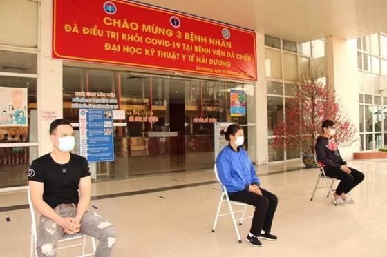 3 bệnh nhân Covid-19 đầu tiên ở 'tâm dịch' TP Chí Linh khỏi bệnh ảnh 1