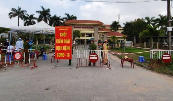 Bệnh viện Giao thông Vận tải Hải Phòng bị phong tỏa, dừng hoạt động đón tiếp bệnh nhân sau khi một nữ điều dưỡng của bệnh viện dương tính SARS-CoV-2