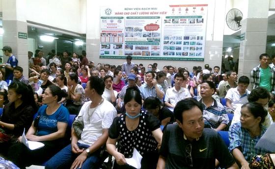 Tăng ''sốc'' giá dịch vụ khám chữa, Bệnh viện Bạch Mai bị Bộ Y tế nhắc nhở ảnh 1