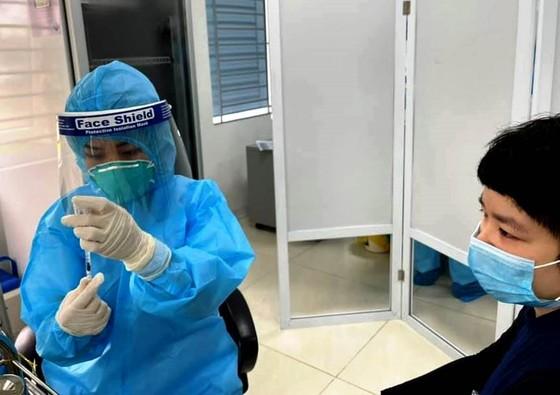 Sáng nay 14-3, cả nước có hơn 10.000 người được tiêm vaccine Covid-19 ảnh 1