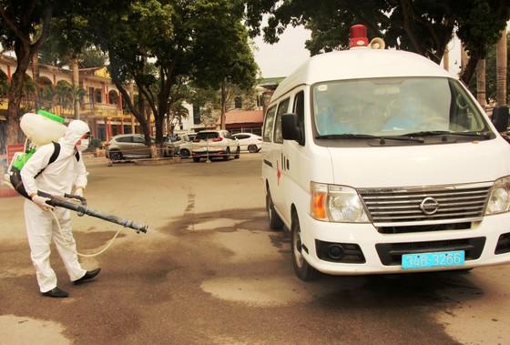 Một công nhân ở Chí Linh vừa hết cách ly về nhà lại bị đưa đi cách ly ảnh 1