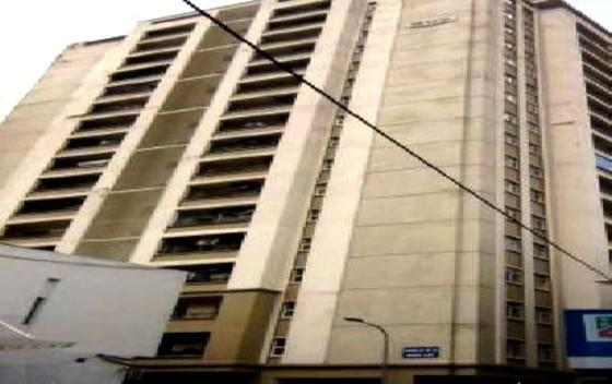 Điều tra vụ một người giúp việc rơi từ tầng 11 chung cư ảnh 1